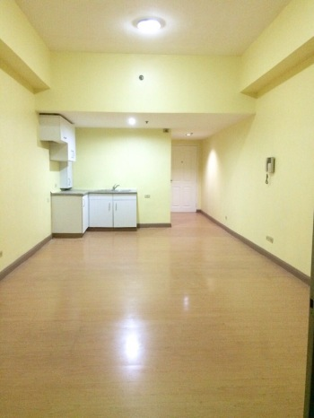 Huge Studio Unit at Salcedo Village