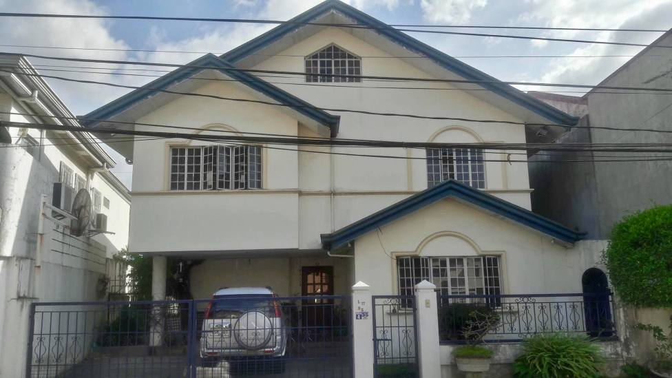 front Greenwoods Village Pasig House for Sale