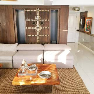 Living room foyer Senta Penthouse for Sale
