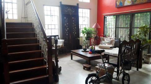 Living Stairs Greenwoods Village Pasig House for Sale